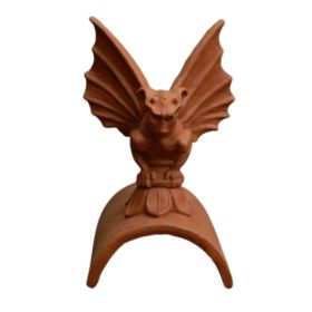 gargoyle_with_wings_on_half_round__1581760359_708
